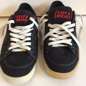 "MACBETH LIMITED EDITION ""KEEP A BREAST"" Sz 10 RARE"